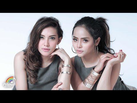 Duo Biduan - Cinta Putih (Official Lyric Video) | Soundtrack Orang Orang Kampung Duku