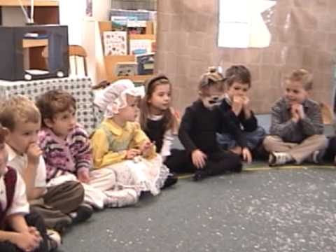 Myrtle Farm Montessori School Holiday Celebration Songs 2001 Pt 1