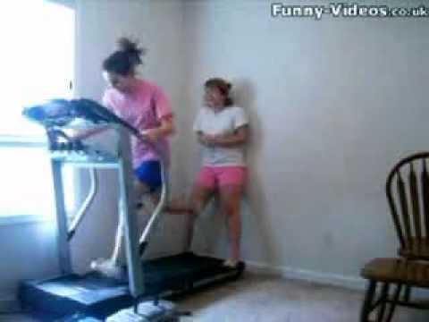 stupid girls on running machine