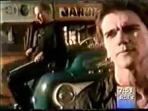 Video de la canción la Tierra de Ekhymosis, osea la banda de Juanes cuando era joven. Ama la tierra en que naciste, ámala es una y nada más A la mujer que te...