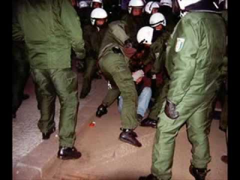 Zaunpfahl - Polizisten