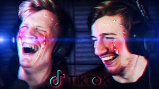 BUT WHAT IF WE WANT TO BE TRACER?? | Tik Tok Memes (REACTION)