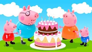 Peppa Pig cooking a cake with Family - Peppa Play Toys