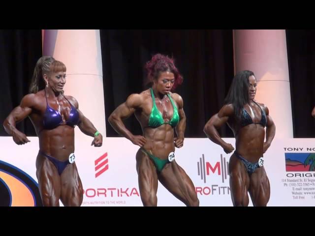 2013 Arnold Amateur Prejudging Women's Bodybuilding Heavyweight