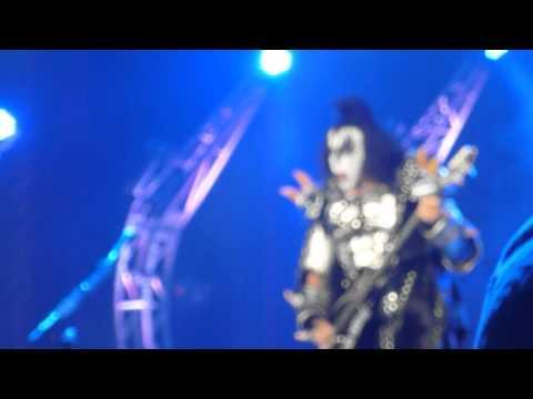 KISS Gene Simmons a QUICK CLIP Boardwalk Hall Atantic City NJ 08/02/14