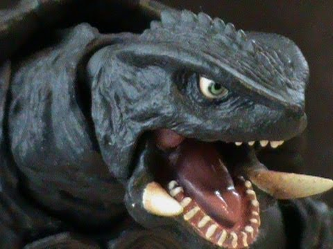 Sci-Fi Revoltech No. 033 Gamera 2 Review