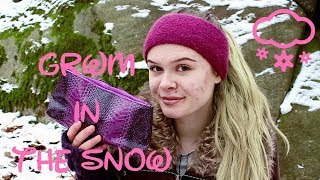 DOING MY MAKEUP IN THE FREEZING SNOW CHALLENGE