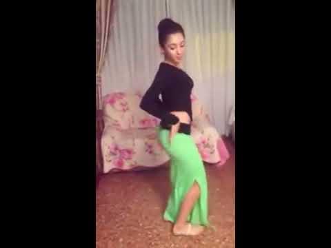 Yeşil Etekli Kız Oryantal Dans