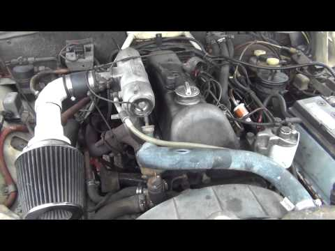 Mercedes 220D Diesel Rod Knock Blows Up On Video