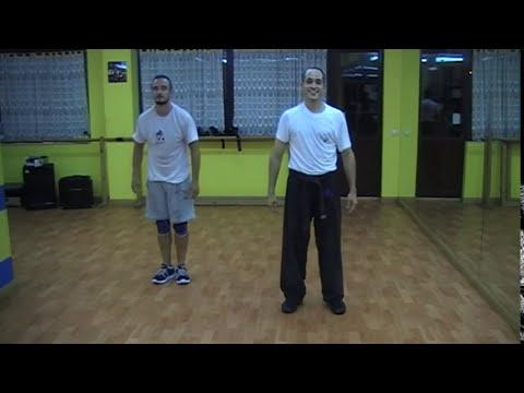 Krav Maga-Defensa contra estrangulamiento trasero con el antebrazo