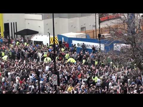Violent Sunderland Fans With Flares @ Newcastle 0 - 3 Sunderland @ St James Park 14.04.2013