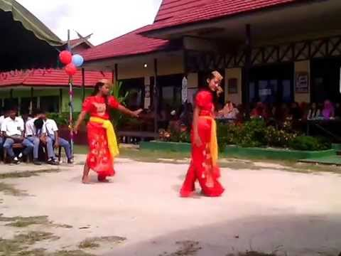 Tarian Manasai SMA N 1 Sematu Jaya