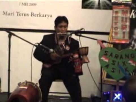 Video serakah Penganugrahan Museum Rekor Dunia Indonesia DWI SANTOSO pemain 6 alat musik sekaligus
