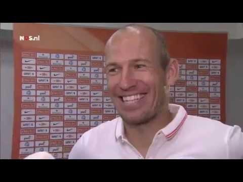 Robben weet wat nodig is voor zijn lijf | NOS WK Voetbal 2014