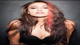 প্রেমিকের সামনে নগ্ন হলেন এই বলিউড অভিনেত্রী || Bangla Video News