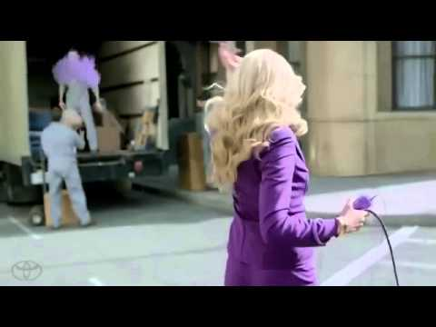 2013 Superbowl Toyota Kaley Cuoco (The Big Bang Theory) Sexy Commercial - WishGranted