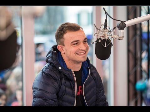 «In der Nati haben wir einen WhatsApp-Chat» - Xherdan Shaqiri im Interview in der #jrz15-Glasbox