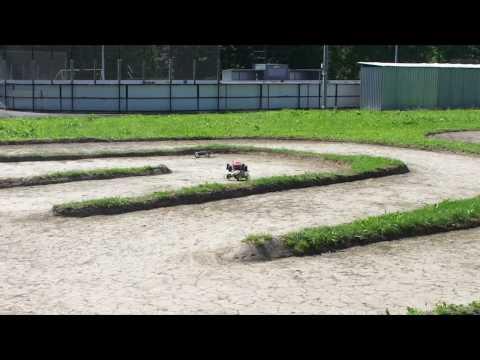 Mini Revo 1/16 on gravel track
