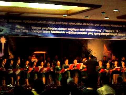 Pancarkan Sinarmu (koor MARI 2011) .AVI