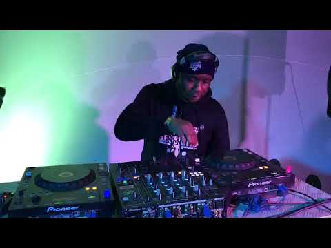 Dj Malebza rocking Sun-El Musician Ntabezikude