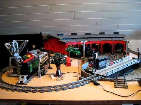 lego eisenbahn drehscheibe mit lokschuppen youtube. Black Bedroom Furniture Sets. Home Design Ideas