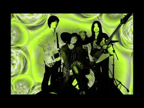 RISING MAGIC SUN (with Japanese Lyrics) / THE ROCKET JOHNSON (from Japan)