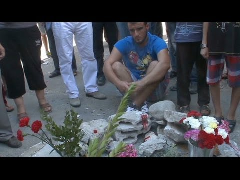 Turkish protesters blame police for death