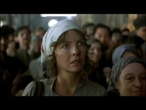 Reds - train station scene