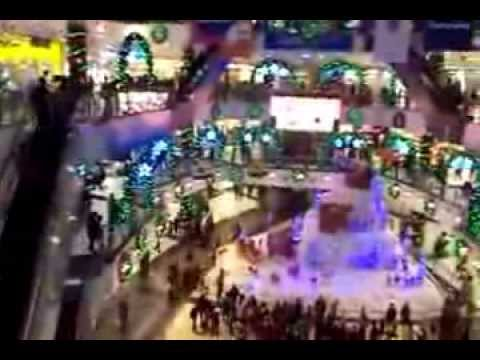 People get Shoping & visiting in a Shoping Mall