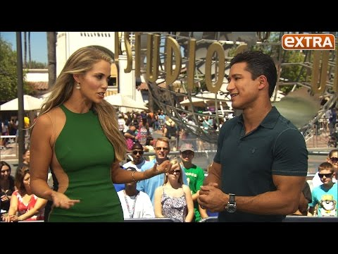 Why Elizabeth Berkley & Mario Lopez Have No Interest in 'Saved by the Bell' TV Movie