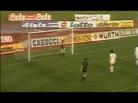 Roberto Baggio free kicks Video