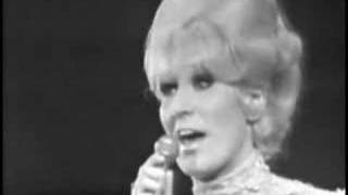 Watch Dusty Springfield In The Middle Of Nowhere video