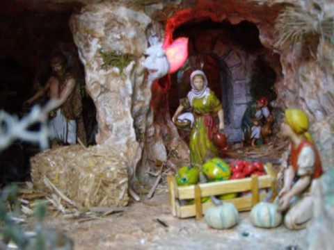 MALTA:  Qormi - Mario's Christmas Crib & Valletta Christmas Lights