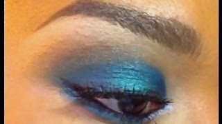 Maquillage Smoky Bleu