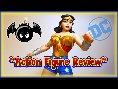DC Comics Designer Series Darwyn Cooke Wonder Woman figure review. (DC Collectibles)