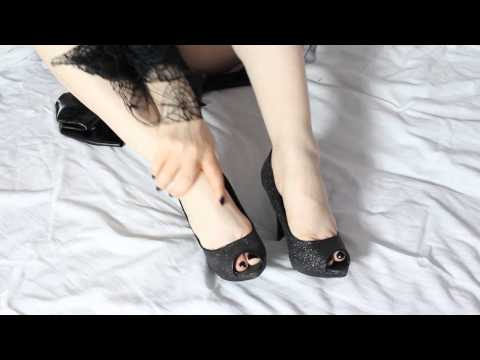 Sarah Heels- teaser clip Witch outfit - sexy high heels - feet- latex