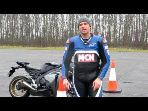 Honda Fireblade: ABS v non-ABS