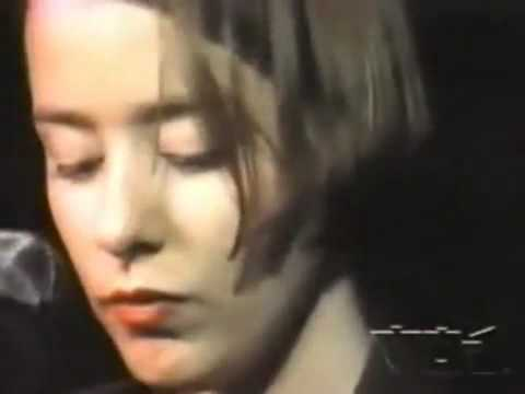 Suzanne Vega - Open Hand *1990 Documentary* (1of3)