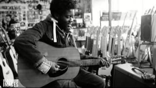 download lagu Cold Little Heart - Michael Kiwanuka Short gratis