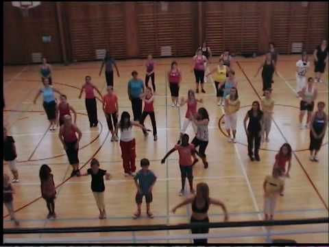 Waka Waka Zumba   Bobo Dance Club - In Response To Shakira (1) video