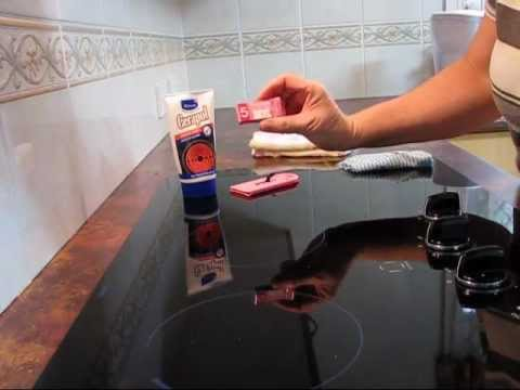 How to clean a ceramic cooktop