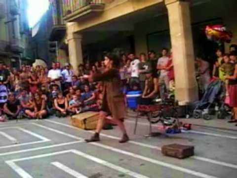 Maku Jarrak - Payasa - espectaculo de calle