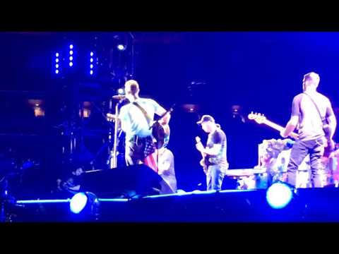 EARTH ANGEL/ JOHNNY B. GOODE -MICHAEL J. FOX & COLDPLAY: HEAD FULL OF DREAMS TOUR 7.17.16 NYC/NJ