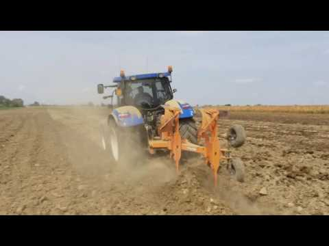 New Holland T6 175 plowing with Mipra Plow[2016] - New Holland T6 175 in Aratura Con Aratro Mipra