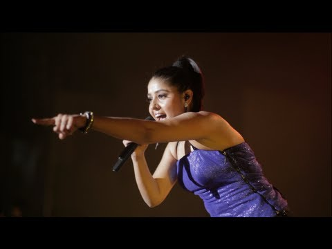 Sanjoy Deb ft. Sunidhi Chauhan - Ab Laut Aa - Official Music Video
