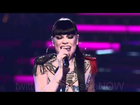 Jessie J & Team Christina perform DOMINO (Voice USA)