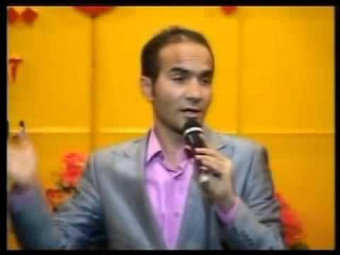تقلید صدای الهی قمشه ای و شوخی با احسان علیخانی Music Videos