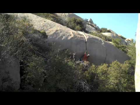Mt Woodson, Monkey Crack