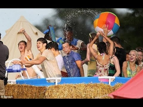"One Direction ""Live While We're Young"" Music Video – Sneak Peek"