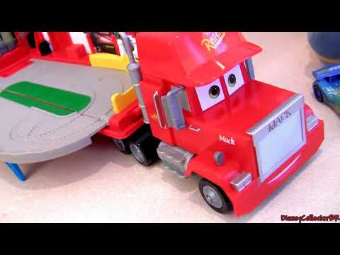 Mega Mack Raceworld Playset Cars 2 Pixar Disney World Grand Prix toy review Caminhão